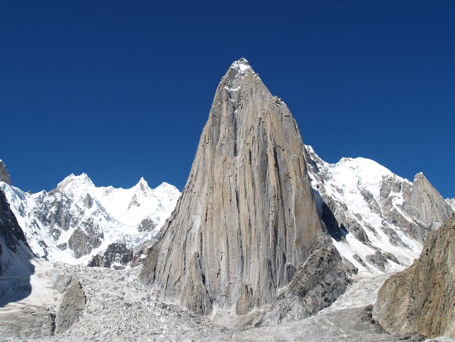 Trango Tower (6,287 M)